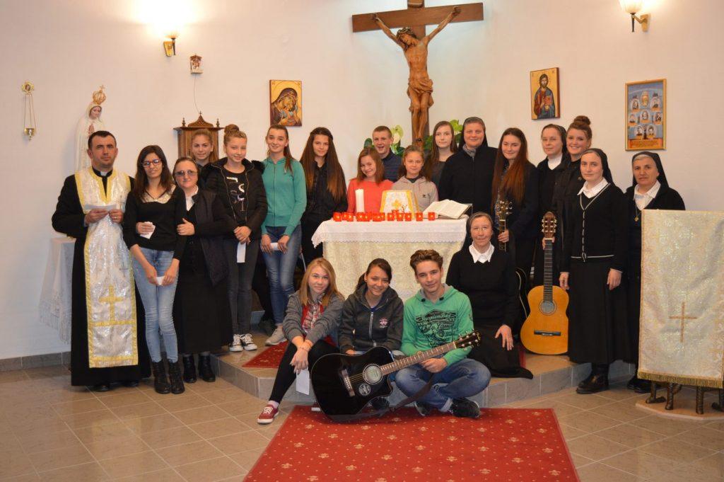 """Casa pentru eleve """"Sf. Tereza a Pruncului Isus"""" din Sighet"""